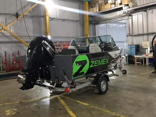 Брендирование лодок Zemex